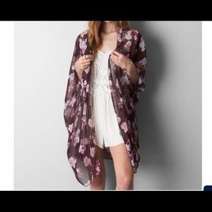 American Eagle Outfitters Floral Kimono